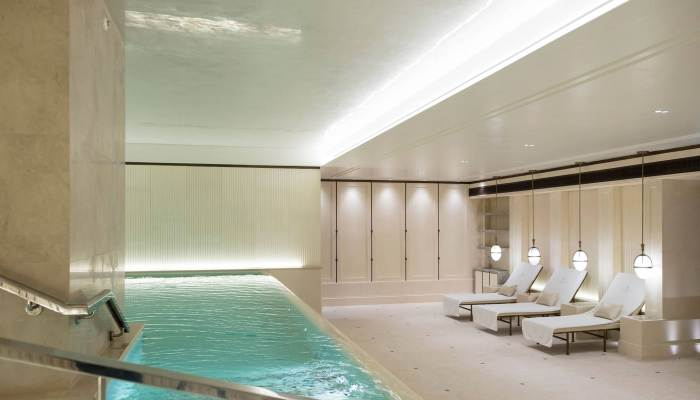 Several Great Spas in London, England